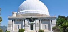Des visites guidées de l'Observatoire sont organisées les mercredis et samedis